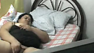 PLUMP FILIPINA older ROWENA SOTITO PLAYING WITH HER TIL THIS BABE CUMS