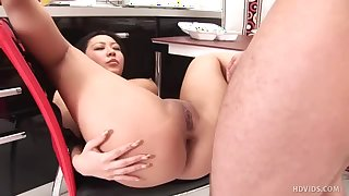 Alluring and hot Linda is satisfying her hungry neighbor