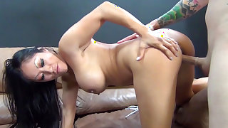 Vulgar vixen is having real hardcore fuck