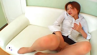 Asian angel is fingering her pussy