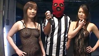 Japanese models with shaved holes are playing in bondage