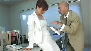Insolent secretary plays naughty at work