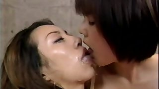 Japanese babes in threesome action
