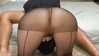 Entrancing japanese chick in stockings is sucking big dick